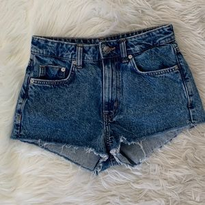 H&M fitted high waisted shorts